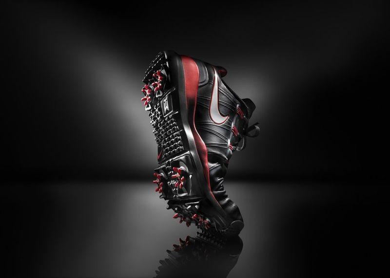 Tiger-woods-golf-shoe-tw14