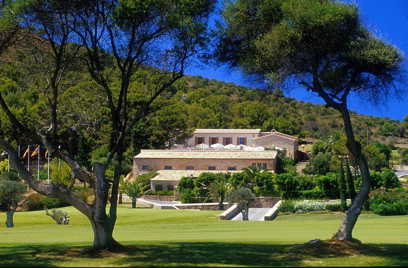 Golf Alcanada club house