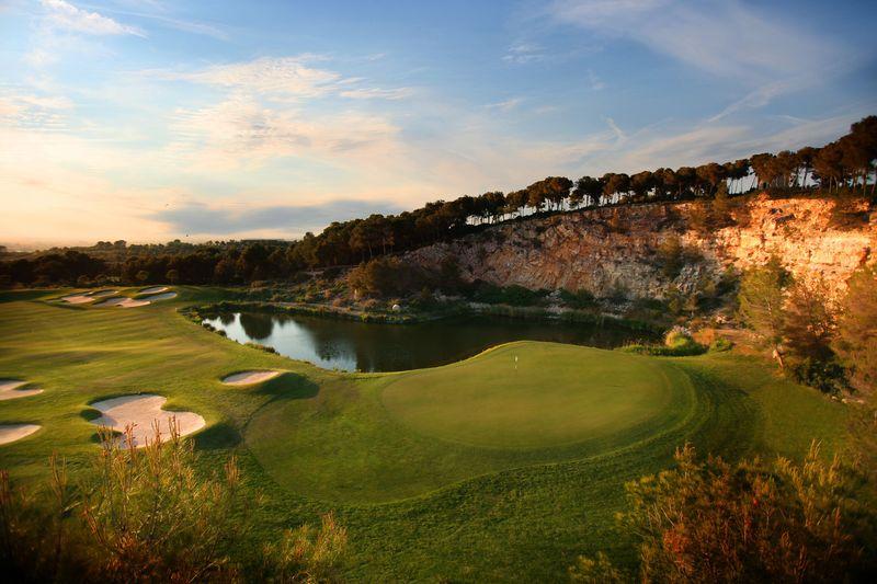 LUMINE Golf Club Hills Course