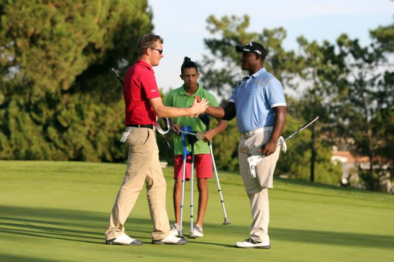 disabled-golfer-group