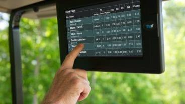Live scoring in a golf cart