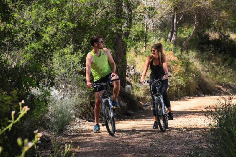 Las Colinas Golf & Country Club - bicycle