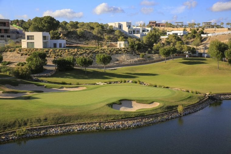 Las Colinas Golf & Country Club - real estate by the lake