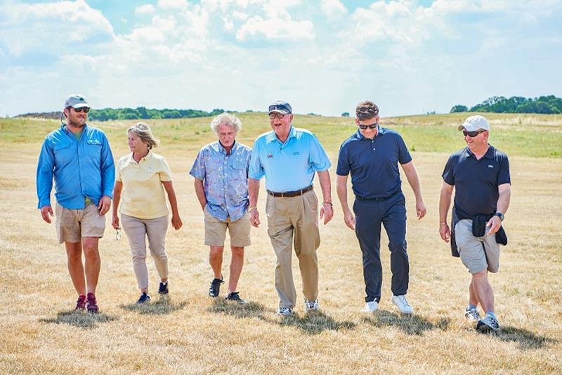 West London Links Golf Club Pete Dye team and Menai-Davis family