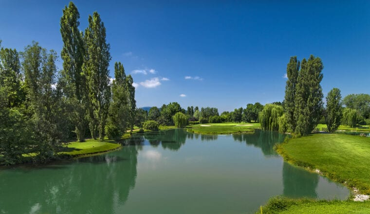 Golf Della Montecchia golf course female golfers