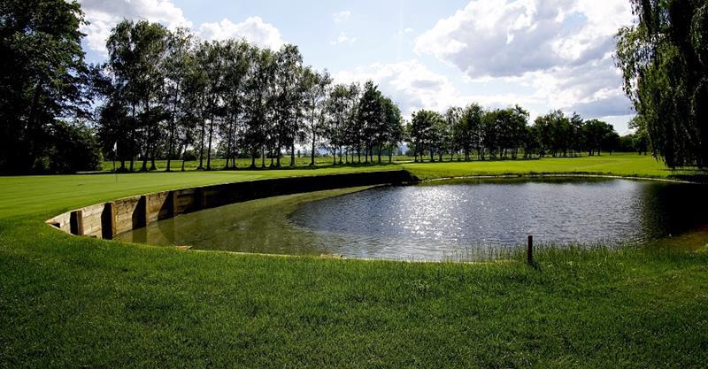 Golf Club Pfalz and the lake