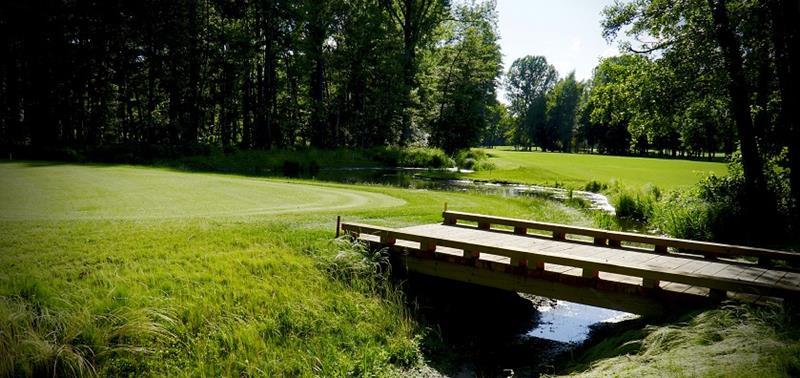 Golf Club Pfalz with creek and bridge