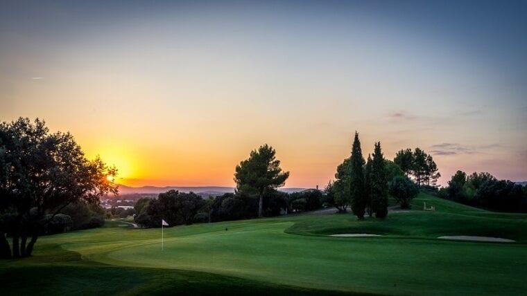 Golf International Pont Royal-sunset on the golf course