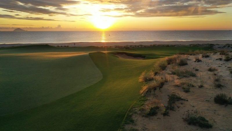 Hoiana Shores Golf Club 17t hole at sunrise