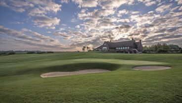 London Golf Club 18th hole clubhouse